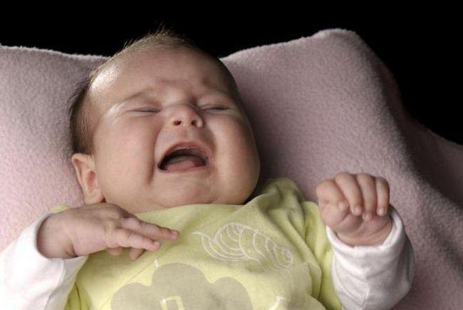 zašto se dijete noću budi i plače