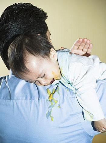 dijete regurgitates nakon svakog hranjenja