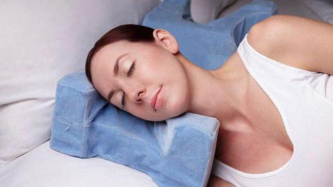Jastuk od bora na licu