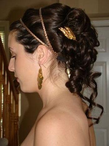 frizure s grčkim zavojem za dugu kosu