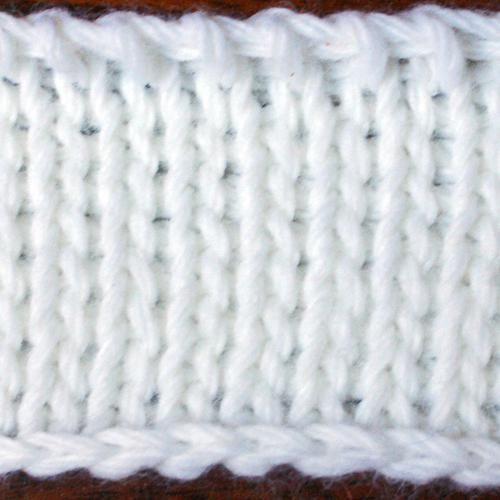 vezati muške pulover s iglama za pletenje