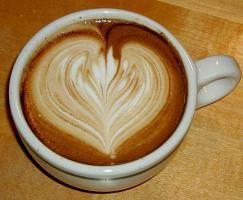 Crteži na fotografiji kave