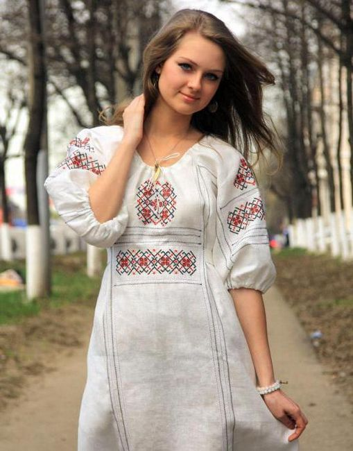 žensku odjeću u ruskom stilu
