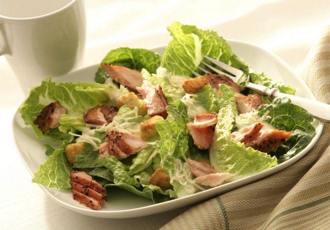 Caesar salata s piletinom