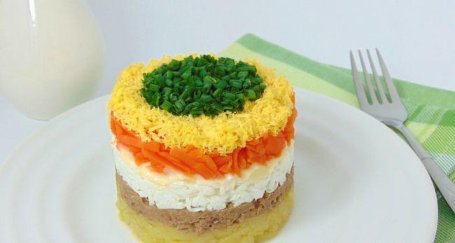 Mimoza salata s maslacem i sirom