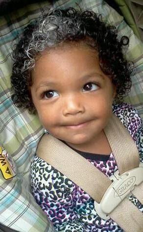 zašto dijete ima sijedu kosu