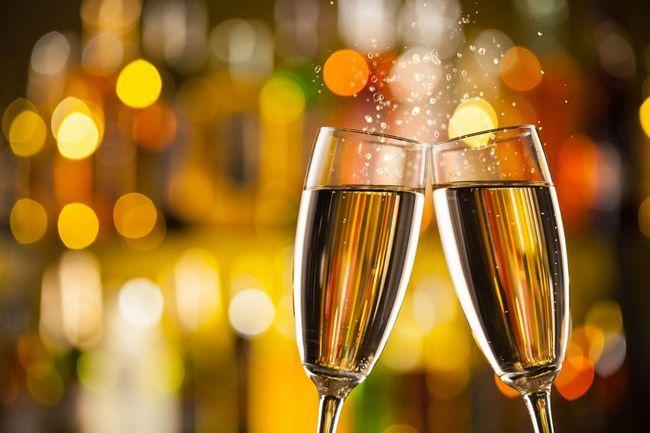 čaše s šampanjcem