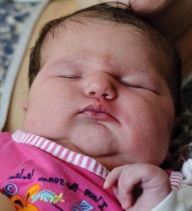 Novorođenče daje veliku težinu
