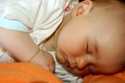 koliko dijete treba spavati u roku od 2 mjeseca