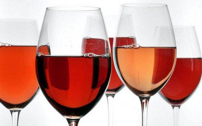 Čaše vina