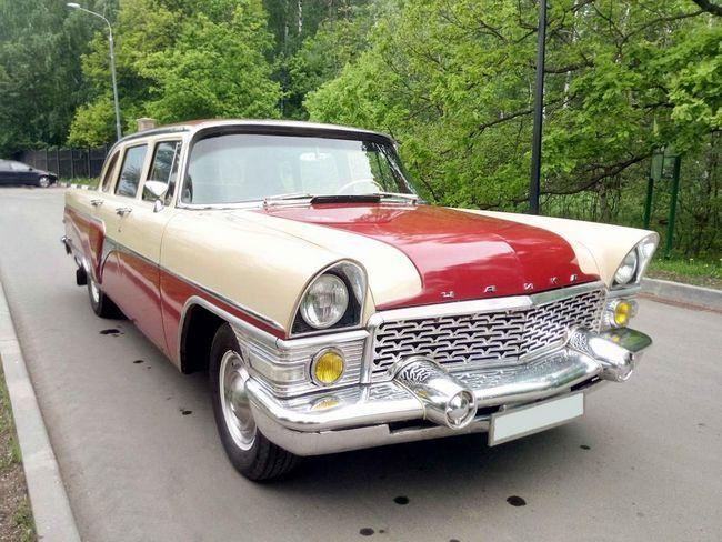 Sovjetski automobil GAZ-13: specifikacije, fotografija