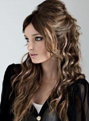 frizure za kovrčavu kosu srednje duljine fotografije