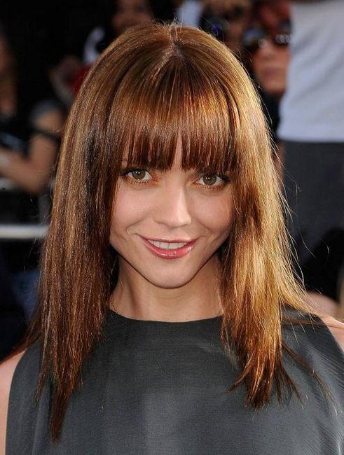 srednje frizure za okruglo lice