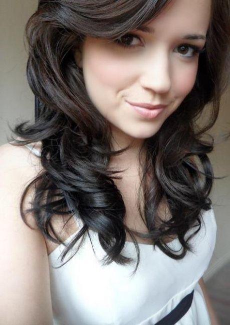 tamnu plavu kosu