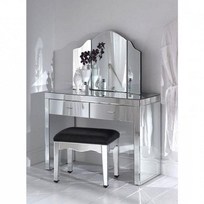 wc stol s ogledalom