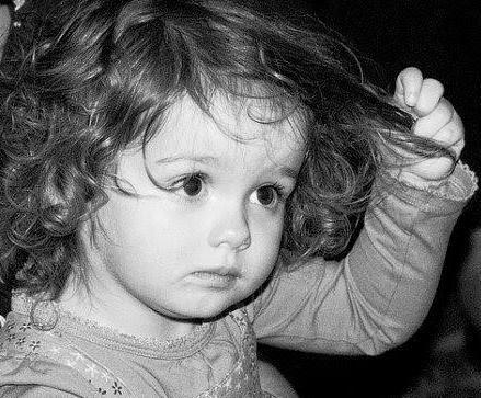 dijete je počelo ispuštati kosu