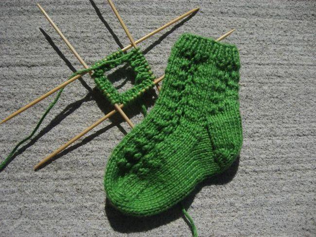 čarape za novorođenče