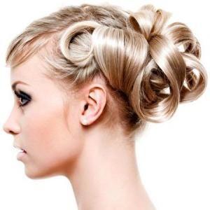 večernja frizura za dugu kosu
