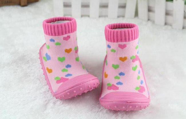 čarape s ne-kliznim potplatima