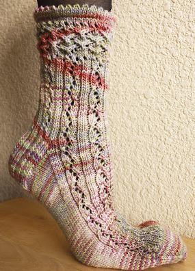 pleteni uzorak pete čarapa s iglama za pletenje