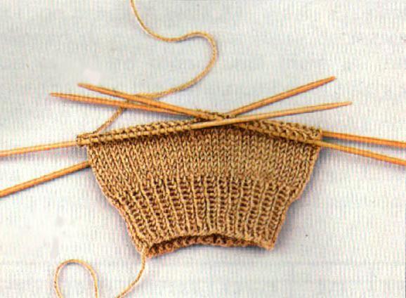 plesti muške čarape s iglom za pletenje