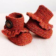 Pletemo čizme s pletenim iglicama za novorođenčad