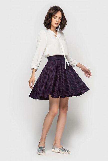 Skromna slika s praktičnim suknjom