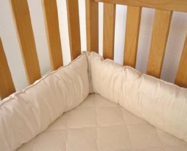 Bumper u krevetiću za novorođenu fotografiju