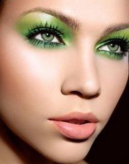 Zelena boja očiju